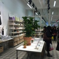 & Other Stories (H&M's more buzzy brand) opens in Soho – v. cool store!!