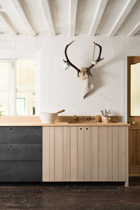 The-Sebastian-Cox_Kitchen_deVOL_dezeen_468_6
